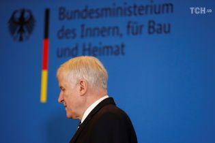 Вслед за Меркель глава ее сестринской партии тоже решил покинуть пост – СМИ