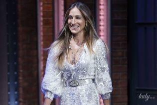 Вся сияет: Сара Джессика Паркер в блестящем и откровенном платье пришла на шоу