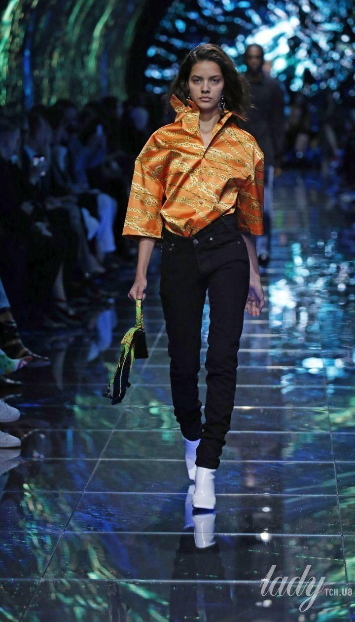 Коллекция Balenciaga прет-а-порте сезона весна-лето 2019 @ East News