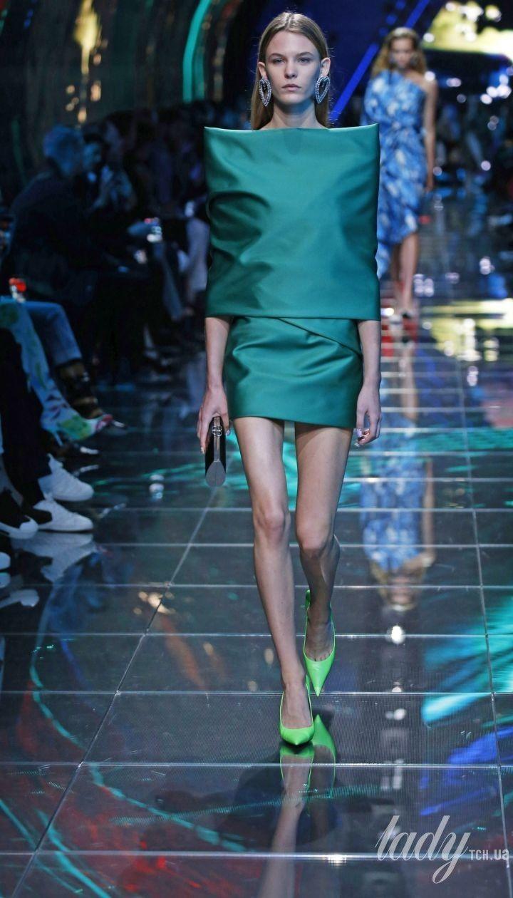 Колекція Balenciaga прет-а-порте сезону весна-літо 2019 @ East News