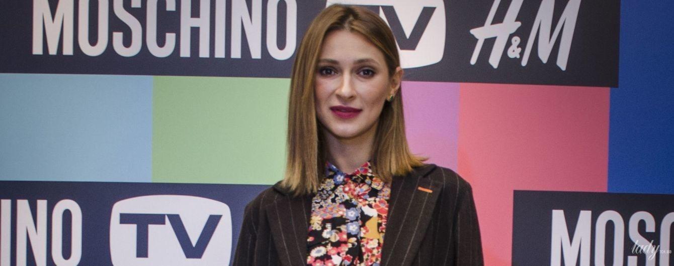 В полосатом жакете и блузке с цветочным принтом: стильная TAYANNA на вечеринке в Киеве