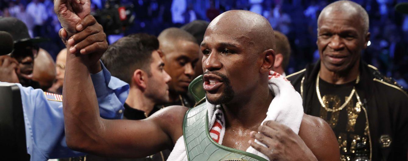 Легендарный боксер объяснил решение Мейвезера вернуться на ринг