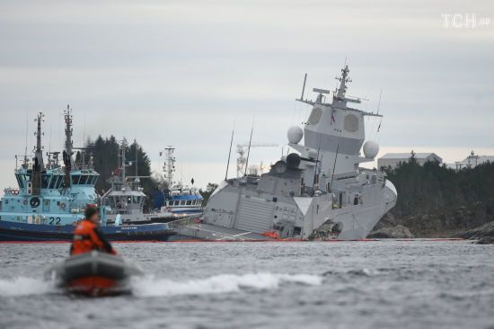 Зіткнення кораблів у Норвегії: військовий фрегат врятували від затонення