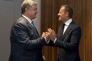 Запрошення відвідати Україну та спільна протидія російському втручанню: Порошенко провів зустріч із Туском