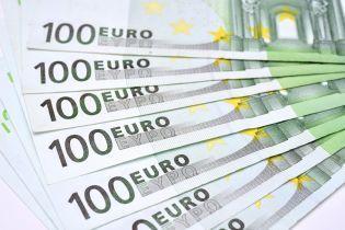 Почти 100 тысяч евро нашел румынский строитель в купленном шкафу в Сети