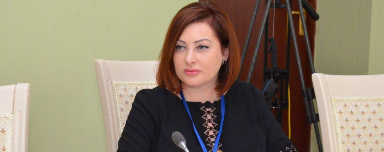 """""""Знаю, кому это выгодно"""". Жена чиновника МВД прокомментировала секс-скандал вокруг ее мужа"""