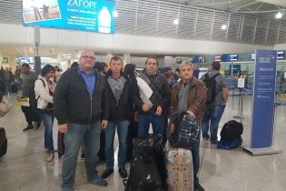 Троє українських моряків повернулись на батьківщину після понад року арешту в Греції