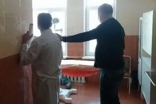 В Виннице врача задержали на взятке в 4 тыс. долларов