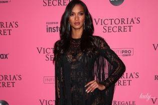 "В черном мини и на шпильках: ""ангел"" Лаис Рибейро на вечеринке Victoria's Secret"
