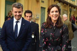 В лаконичном платье и на шпильках Valentino с шипами: кронпринцесса Мэри посетила детский госпиталь