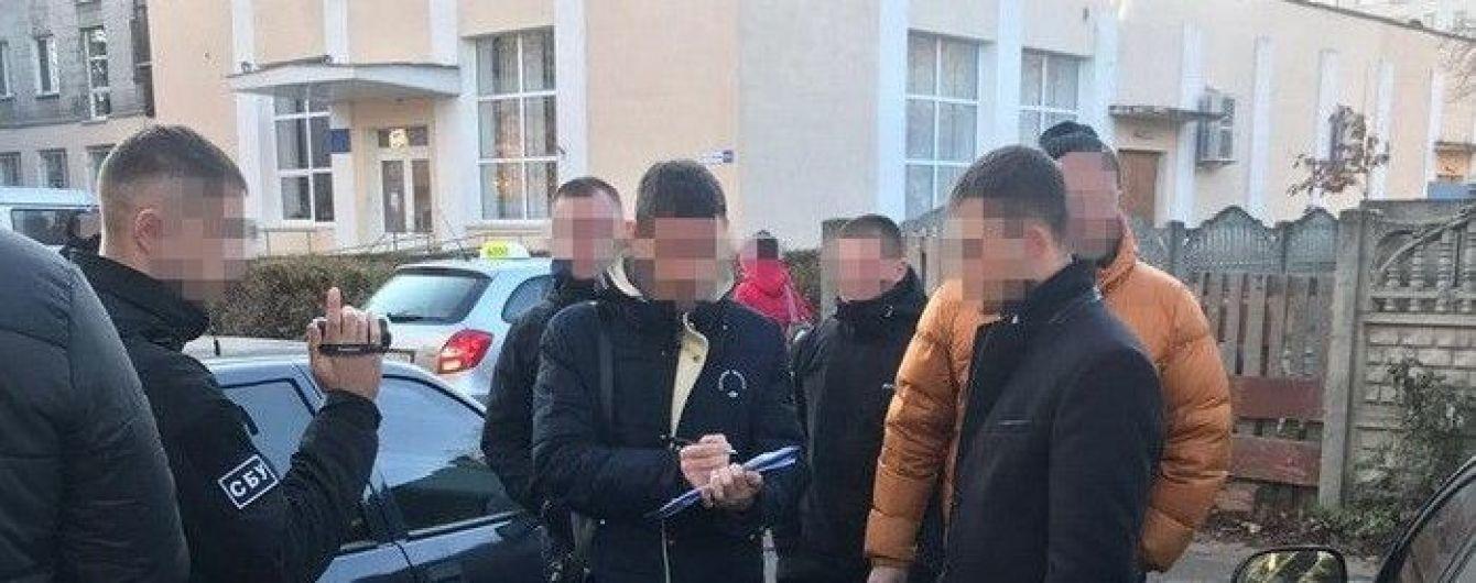 У Житомирі на хабарі затримали заступника начальника місцевої прокуратури