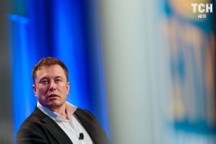 Екс-менеджера Tesla звинуватили у розкраданнях на $10 млн