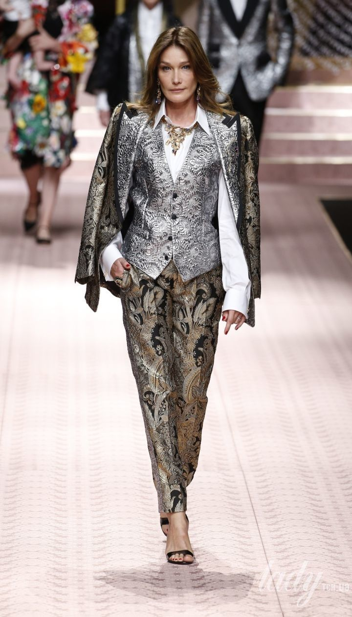 208083e5e0f6 Коллекция Dolce&Gabbana прет-а-порте сезона весна-лето 2019 @ East News  Полноэкранный режим Полноэкранный режим
