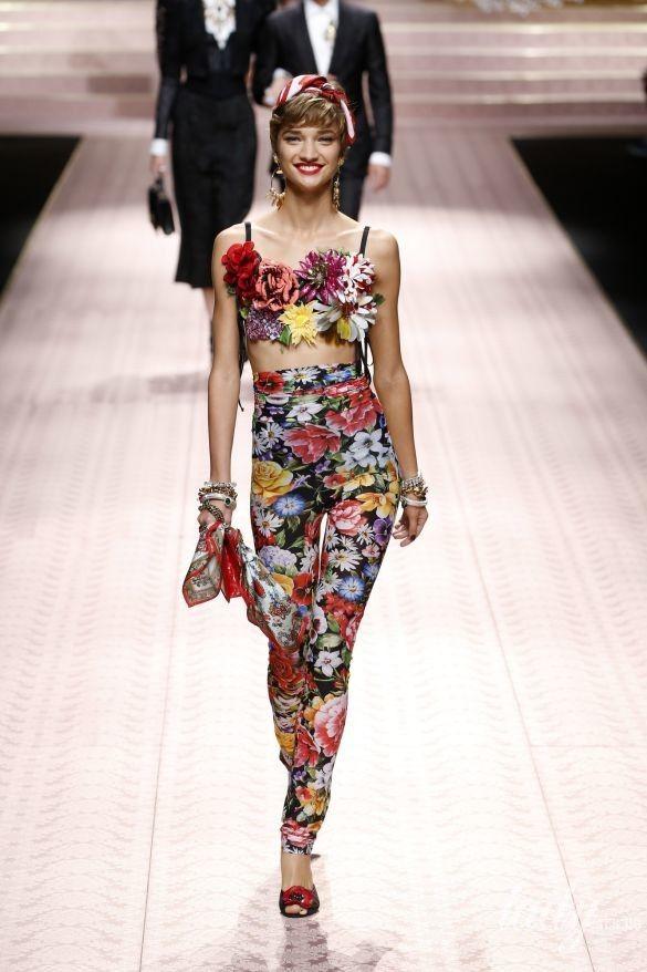 Коллекция Dolce&Gabbana прет-а-порте сезона весна-лето 2019_72