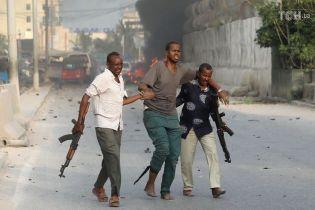Число жертв взрывов в Сомали достигло более полусотни