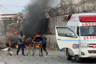 В Сомали террористы взорвали четыре автомобиля, десятки погибших