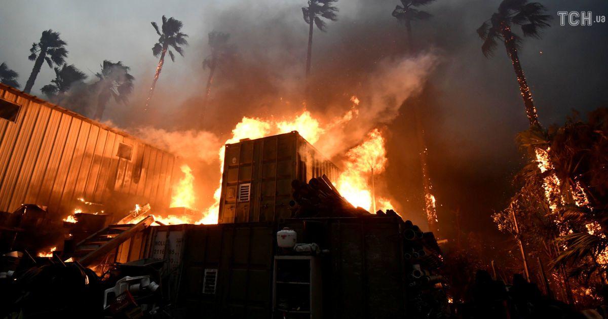 Лісові пожежі в Каліфорнії можуть призвести до евакуації мільйонів людей