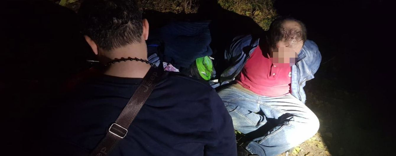 У Дніпрі злочинці-іноземці влаштували перегони з поліцією та травмували двох патрульних