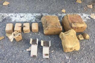 На Херсонщине солдат-контрактник устроил распродажу взрывчатки и боеприпасов