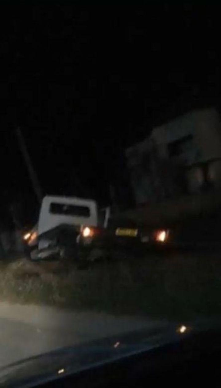 На Буковине в подводу врезался микроавтобус, погиб пассажир телеги и лошадь