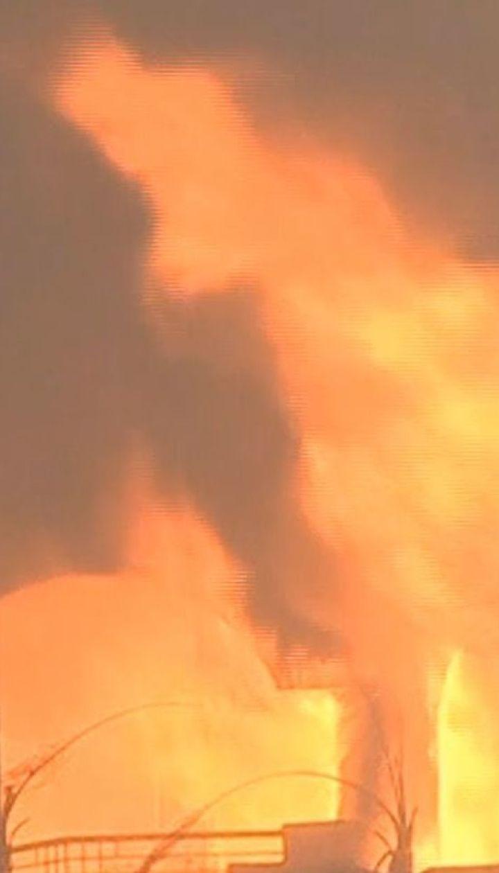 Лісові пожежі у Каліфорнії: зірки масово тікають з охоплених вогнем районів