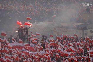 В Варшаве начался Бело-красный марш по случаю 100-летия независимости Польши