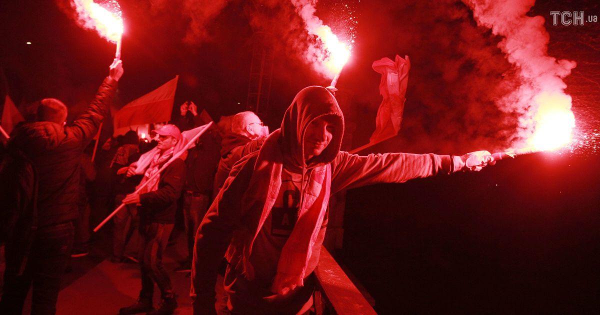 На марш по случаю 100-летия восстановления независимости Польши вышли 200 тысяч человек