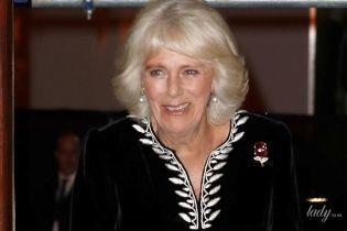 У красивій оксамитовій сукні: 71-річна герцогиня Корнуольська з принцом Чарльзом сходила на концерт