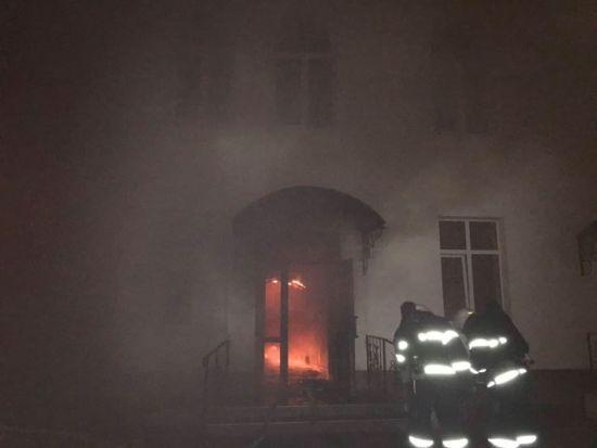 Після пожежі в багатоповерхівці Одеси п'ятеро людей залишаються в лікарнях