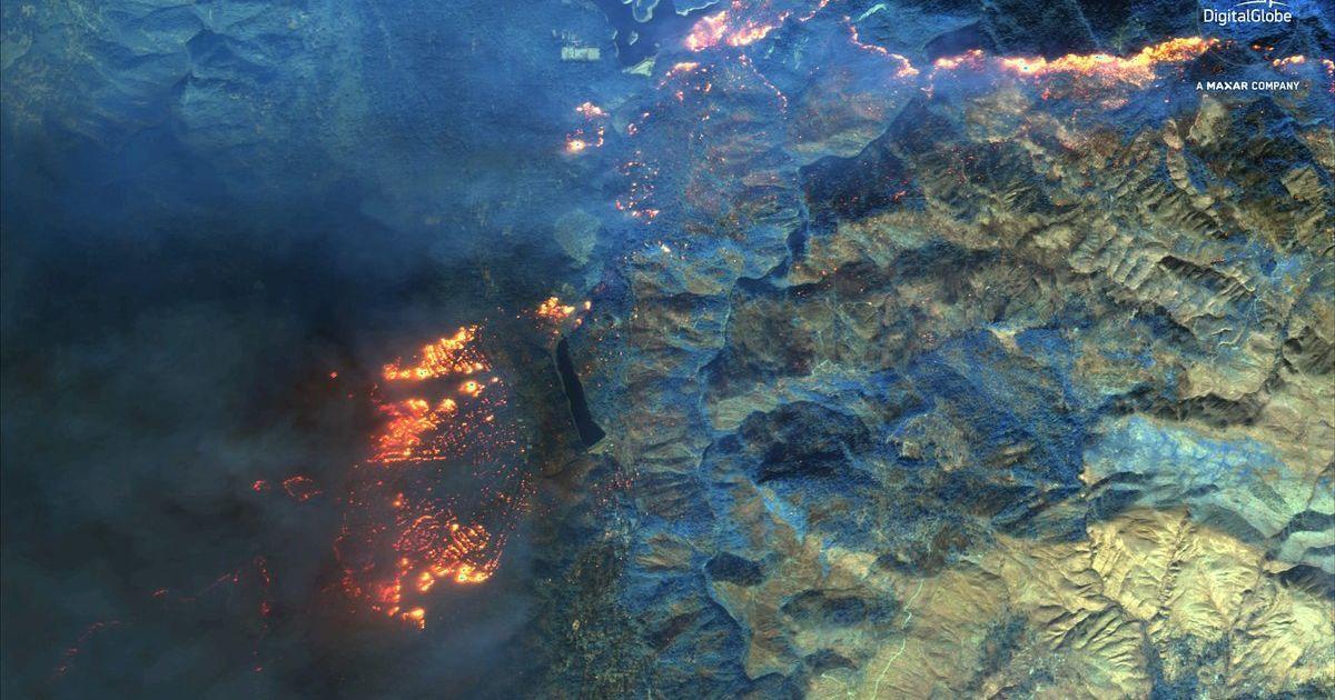 Лісову пожежу в Каліфорнії показали з космосу