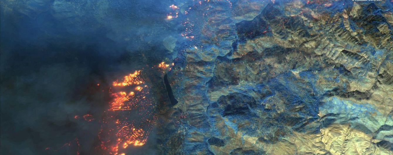 Лесной пожар в Калифорнии показали из космоса