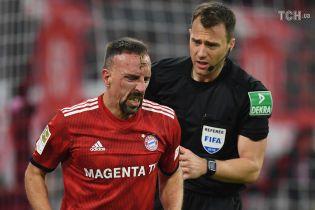 """Футболіст """"Баварії"""" вдарив журналіста після поразки у Бундеслізі"""
