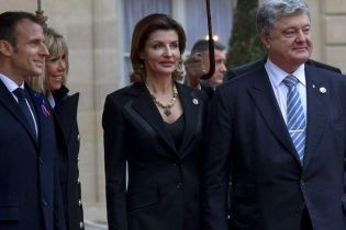 Битва костюмов Марины Порошенко в Париже: серый vs черный