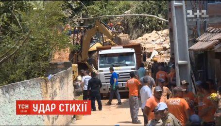 В Рио-де-Жанейро произошел масштабный оползень, есть погибшие