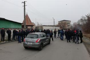 Автовладельцы зажгли шины в Ивано-Франковске и требуют встречи с таможенниками