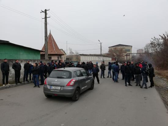 Автовласники запалили шини в Івано-Франківську і вимагають зустрічі з митниками