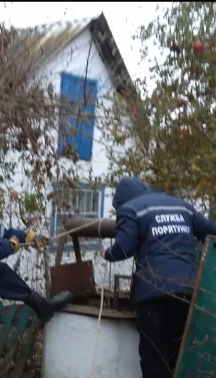 На Київщині жінка стрибнула в колодязь, бо не витримала болю через онкологію