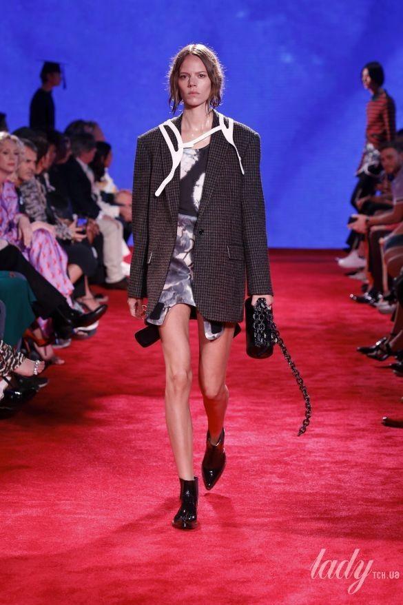 Коллекция Calvin Klein прет-а-порте сезона весна-лето 2019_4