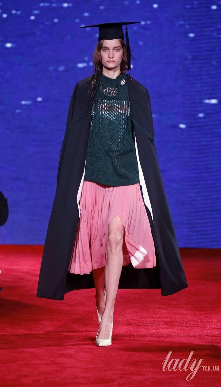 Коллекция Calvin Klein прет-а-порте сезона весна-лето 2019