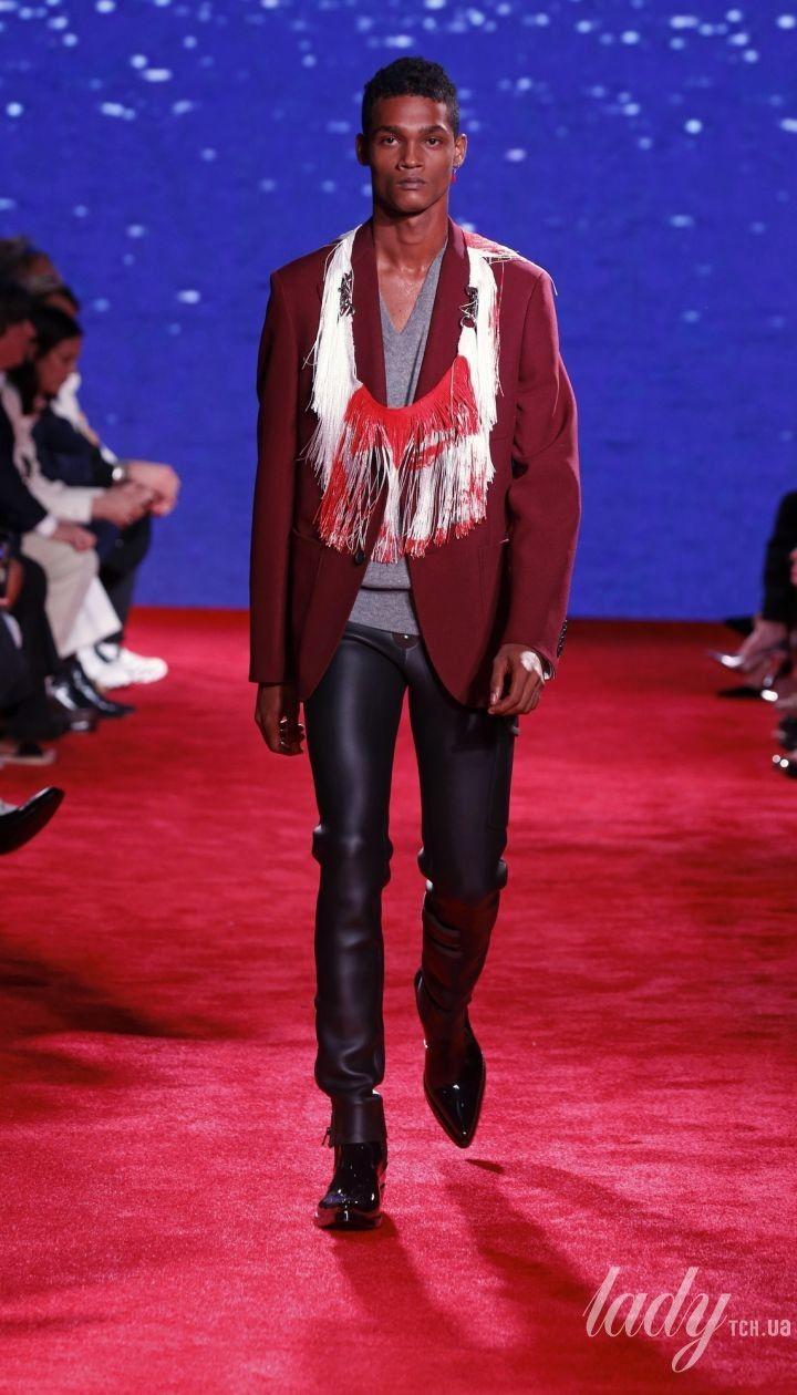 Коллекция Calvin Klein прет-а-порте сезона весна-лето 2019 @ East News