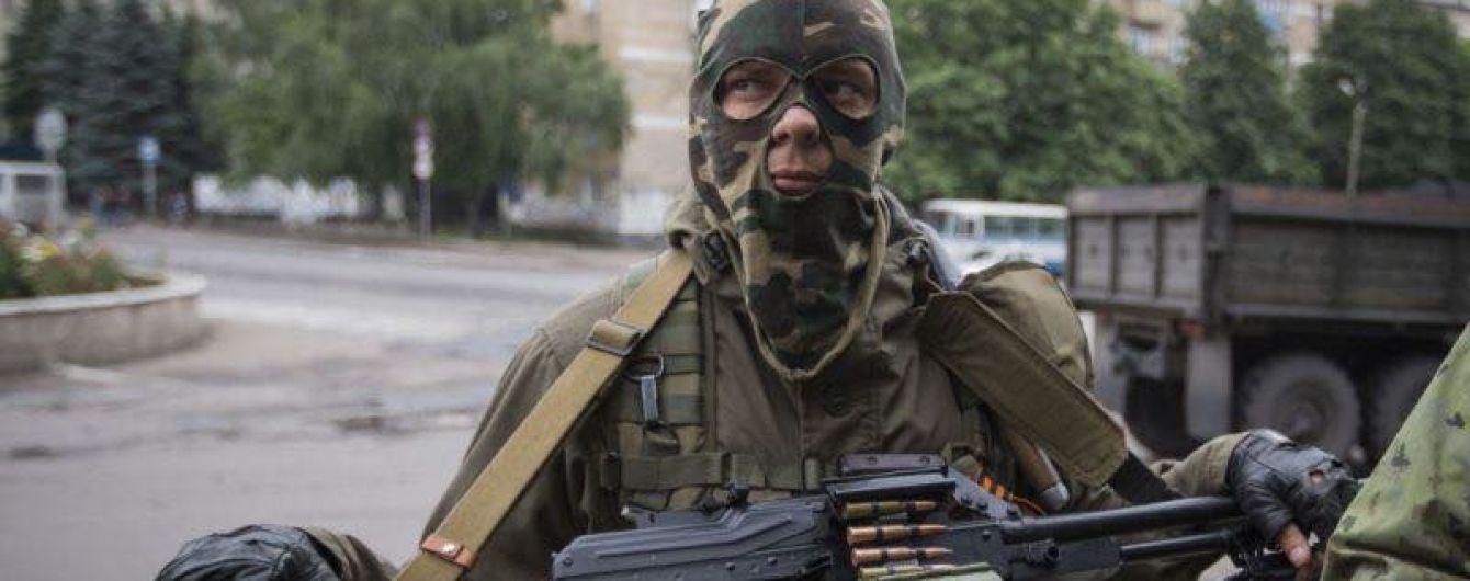Обострение ситуации на Донбассе: боевики 10 раз открывали огонь и ранили украинского военного
