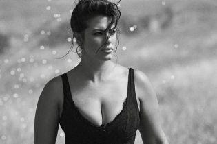 Красивая и сексуальная: Эшли Грэм предстала в новом глянцевом фотосете
