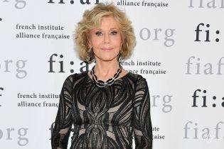 Має розкішний вигляд: 80-річна Джейн Фонда у вечірній сукні сходила на концерт