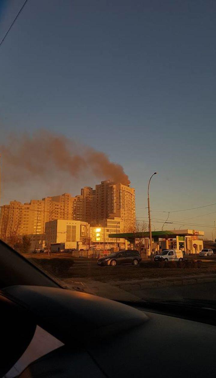 В Киеве горела элитная многоэтажка, жители дома попали в удушающую ловушку
