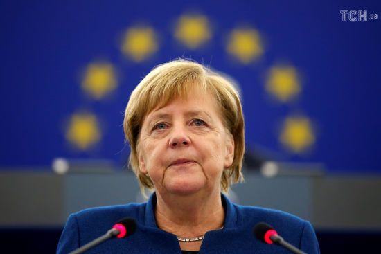 Меркель підтримала ідею Макрона про створення єдиної європейської армії