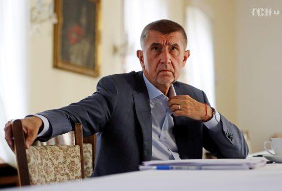 """У Чехії обговорюватимуть можливу відставку прем'єра через """"кримський скандал"""" із його сином"""