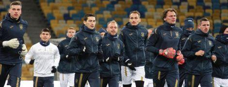Футболисты сборной Украины при теплой поддержке болельщиков провели открытую тренировку