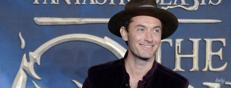 Здається, він лисіє: Джуд Лоу прийшов на презентацію фільму у капелюсі