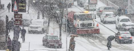 Снегопад в Киеве: неуправляемые авто спровоцировали почти 300 ДТП