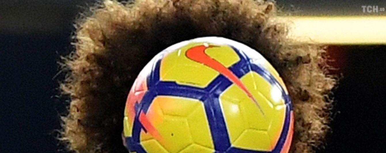 Один из самых патлатых футболистов мира лишился шевелюры